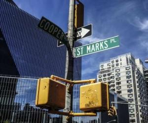 New York Street Photography by Dennis Branko