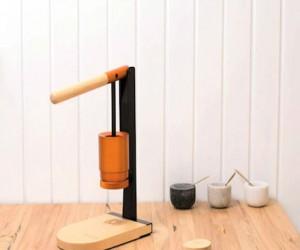 Newton: Lever-Press Espresso Maker