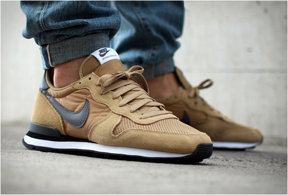 brand new f22ec cbf4e Nike Internationalist