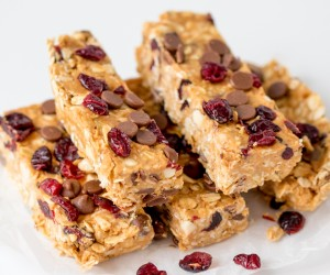 No Bake Peanut Butter and Cranberry Granola Bars