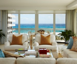 Ocean view apartment in Palm Beach