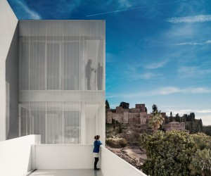 Office and Housing in Malaga by OAM