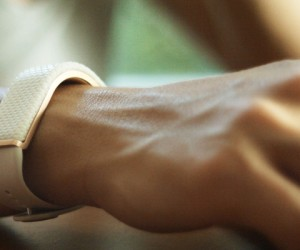 Olive Smart Bracelet Helps You Manage Stress