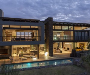 Open Plan Glass & Steel Home in South Africa: House Dukken