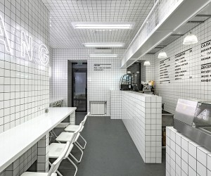 OrangUtan Vegetarian Bar in Kiev by AKZ Architectura