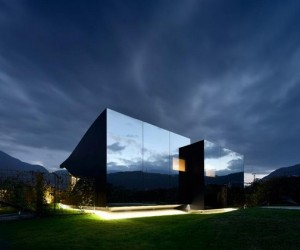 Peter Pichlers Mirror Houses Reflect Amazing Beauty of The Dolomites
