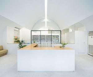 Pharmacy in Omori by MAMM Design