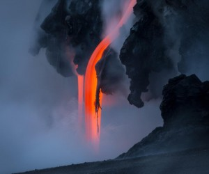 Photographer Tom Kualii Captures Spectacular Lava Flow in Hawaii