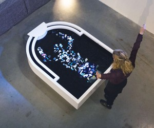 Plastic Reflectic Kinetic Installation by Thijs Biersteker