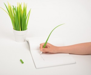 Pooleaf Pen by Zeup Design Studio