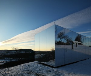 Prefab Invisible House by DMAA