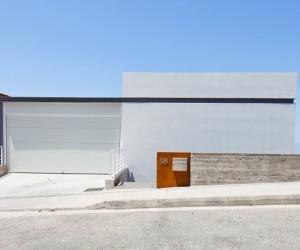 Prodromos and Desi Residence by Vardastudio Architects  Designers