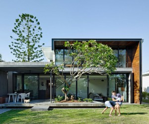 Queenslander House Upgraded to Accommodate a Growing Family