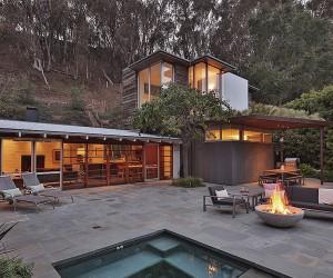 Ranch Style Santa Monica Home Draped in Pleasant Rustic Modernism