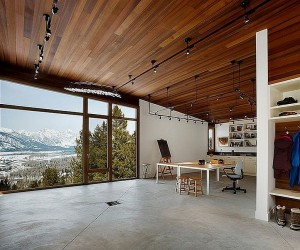 Reaching New Heights: Spectacular Home Offices with Mountain Views