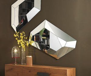Refined Reflection: 4 Strikingly Glamorous Mirrors from Cattelan Italia