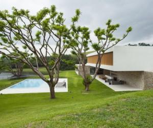 Residencia Itatiba in Sao Paulo