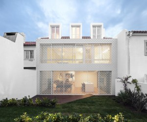 Restelo House by Joo Tiago Aguiar