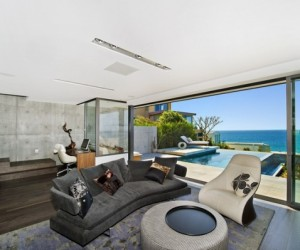 Returning to the elements: panoramic house, Sydney