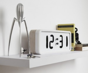Rhei Ferrofluid Display Clock