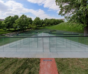 Robert Morris Glass Labyrinth, Kansas City
