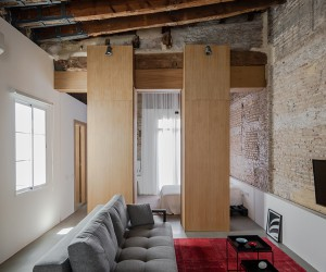 Roberto Di Donato Restores An Early 20th-century Apartment in Valencia