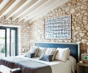 Rustic and contemporary in harmony