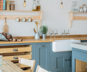Rustic Kitchen by Sustainable Kitchens