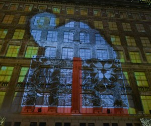 Saks Fifth Ave YETI Windows and 3D Light Show