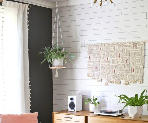 Saving Floor Space: 10 Stylish DIY Hanging Shelf Ideas