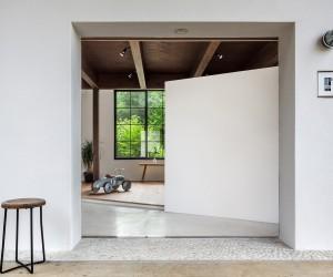 Scandinavian Middle Workspace by Kichi Architectural Design