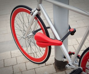 Seatylock: Bicycle Saddle that transforms into Lock