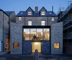 Semi Detached by Delvendahl Martin Architects