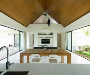 Semi-Detached Modern House in Malaysia by Fabian Tan Architect