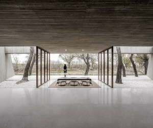 Serene Waterside Buddhist Shrine in China Designed by ARCHSTUDIO