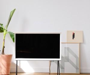 Serif TV by Ronan  Erwan Bouroullec