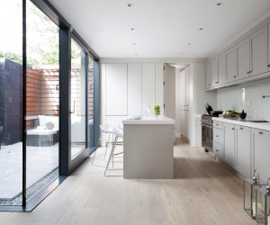 Shaker and Handless Contemporary Kitchen