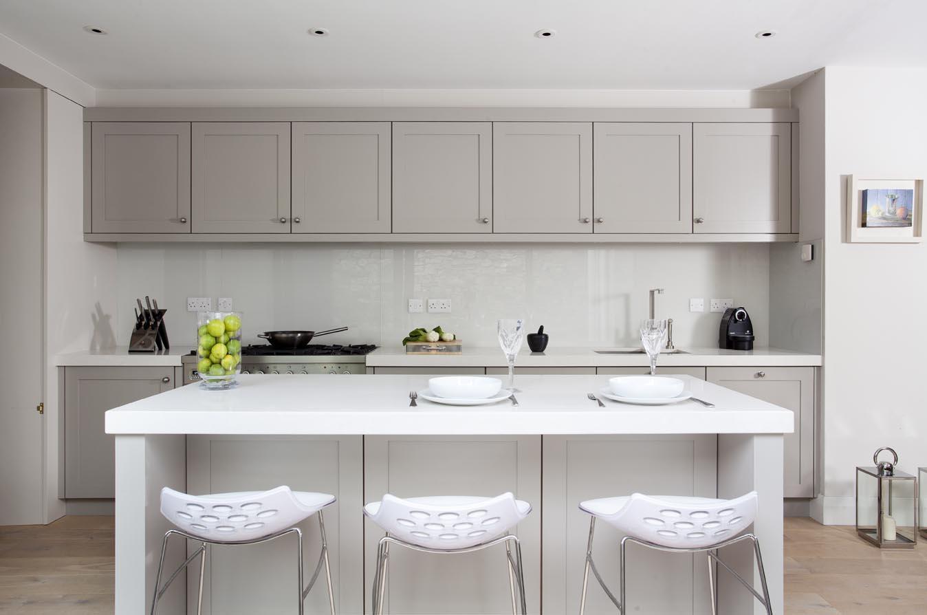 Contemporary White Shaker Kitchen shaker and handless contemporary kitchen