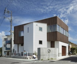 Shinmachi House by Tabata Design