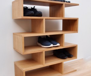 Shoe rack in Oak for shoe storage presented by Tidyboy - Berlin