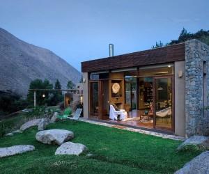 Shrouded in Splendor: Idyllic Casa Chontay in Perua