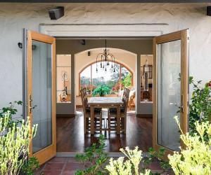 Simply Sumptuous: 25 Amazing Mediterranean Dining Rooms