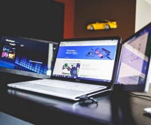 Slide N Joy: Dual Slide-Out Laptop Screens