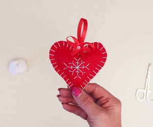 Snowflake Embroidered Heart Ornament for Christmas Tree