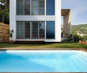 Solar Shading and Smart Design Shape Energy-Efficient Barcelona Home