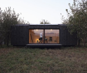 Space-Savvy Transportable Cabin in Wood Connects You with Nature