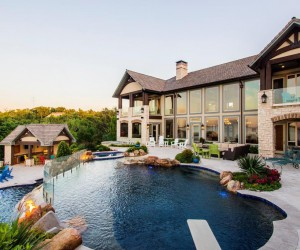 Spectacular House in the Southern Creek of Lake Texoma