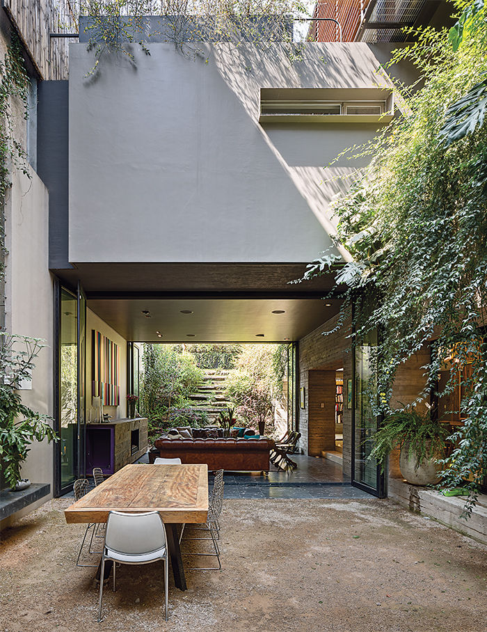 Stacked house in mexico city with a cool garden oasis - Jonathan s restaurant garden city ...