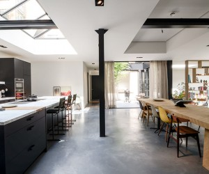 Standard Studio Converts Old Amsterdam Canal Home Into Loft