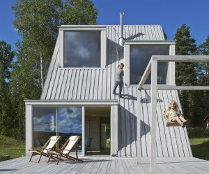 Summer House in Dalarna by Leo Qvarsebo